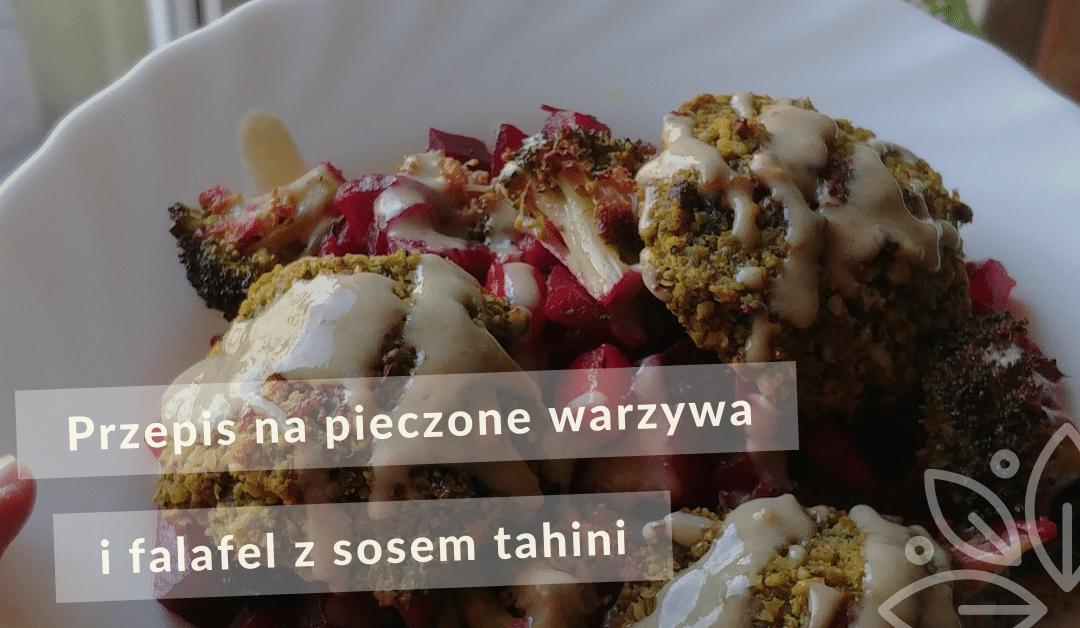 Warzywa pieczone i falafel z tahini